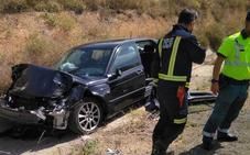 Dos hombres resultan heridos en Bullas al colisionar un turismo y un camión