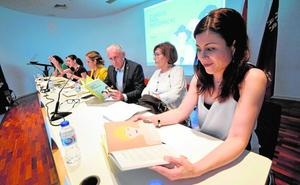 'Cuentos para murcianicas' pone el acento en las mujeres ilustres