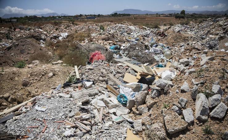 La Fiscalía advierte del «grave riesgo» de un vertedero ilegal en Cartagena