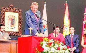 Pedro López Milán toma posesión como alcalde de La Unión