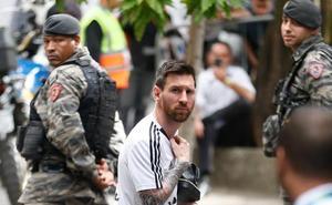 Argentina se mete en un búnker y Maradona carga contra el equipo