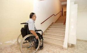 Más de 6.000 murcianos con movilidad reducida no salen nunca de su casa