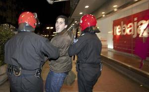 Trasladan a una cárcel de Zaragoza a un miembro de Segi que cumplía condena en Murcia