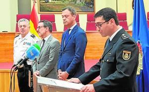 El abanillero José María Lozano estrena jefatura al frente de la comisaría de Yecla
