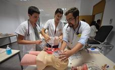 La UMU inaugura las salas de simulación y habilidades para los estudiantes de Medicina