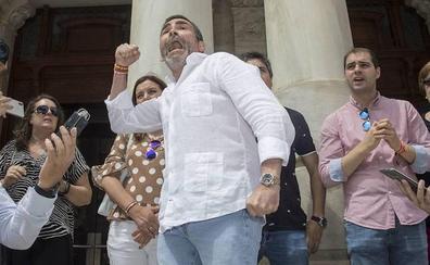 Descartan abrir diligencias contra José López por delitos de odio