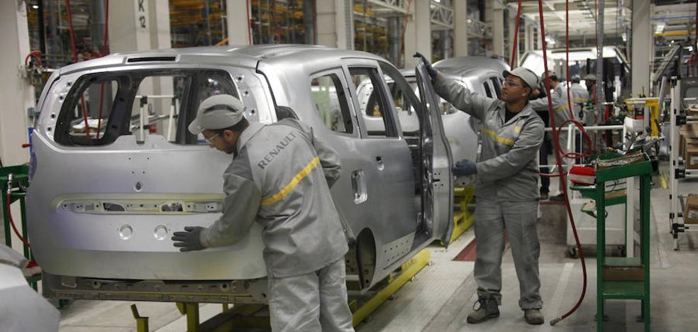 Los fabricantes esperan que se suavice la restricción a la venta de coches de combustión en 2040