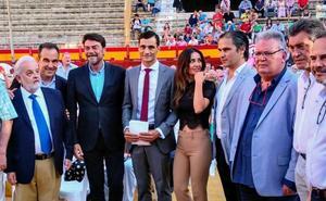 Ureña, en el pregón de Alicante: «Me identifico con el renacer del fuego»