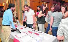 Una veintena de empresas ofrecen oportunidades laborales a jóvenes