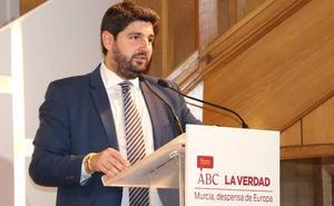 López Miras dice que Génova le ha dado «la autonomía suficiente» para buscar acuerdos con Cs y Vox
