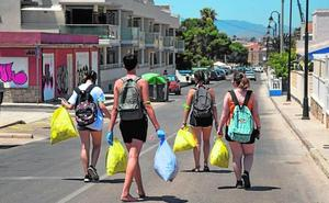 Cien jóvenes quedan por móvil para quitar basura en espacios públicos