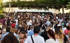 Más de 10.000 personas se presentan a la primera prueba de las oposiciones a maestro en la Región