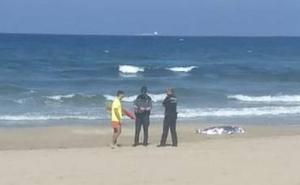 Fallece una bañista en la playa de Galúa, en Cartagena
