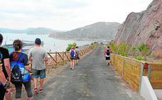 El Puerto abre la ruta de la Punta de Aguilones para los senderistas