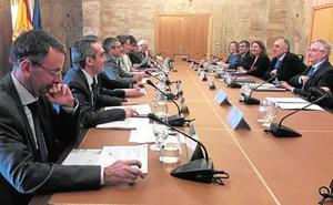 Del Amor exige al Ministerio que defienda la reutilización del agua para riego en la UE