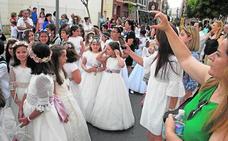 El Corpus Christi reúne a 400 niños que han comulgado este año