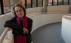 Marta Sanz presenta hoy en Murcia su libro ilustrado 'Retablo'