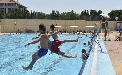 Ola de calor: ¿Dónde están las piscinas municipales y cuál te queda más cerca en Murcia y Cartagena?