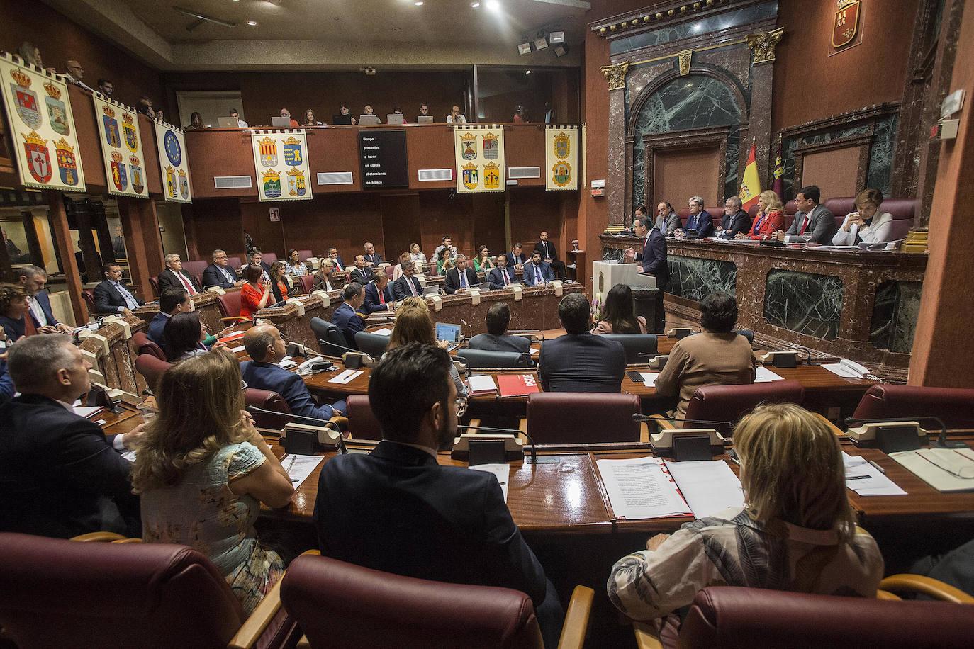 La segunda sesión del debate de investidura, en imágenes