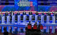 Sólo 4 de los 24 candidatos demócratas tienen opción real de medirse con Trump