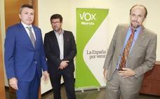 Vox se levanta de la mesa de negociaciones y mantiene el veto a López Miras