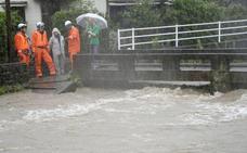 Ordenan evacuar a más de un millón de personas en el sur de Japón a causa de las lluvias