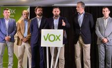 Abascal renuncia a que Vox entre en el Gobierno regional pero exige firmar un acuerdo con Cs