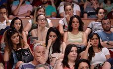Cientos de opositores indignados por las notas abarrotan el Moneo