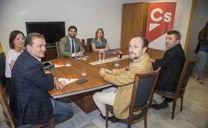 La reunión de PP, Cs y Vox acaba sin acuerdo pero «con avances importantes»