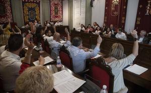 El Pleno de Cartagena aprueba un aumento del 5,7% en el sueldo de la corporación