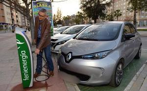 Los vehículos eléctricos podrán estacionar una hora gratis en 3.000 plazas de Murcia