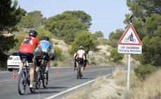 Nuevas señales luminosas protegena los ciclistas en tramos peligrosos de la Región