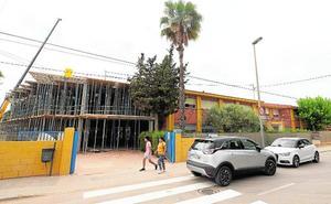 Colegios e institutos de Cartagena reciben este verano 200.000 euros para arreglos y mejoras