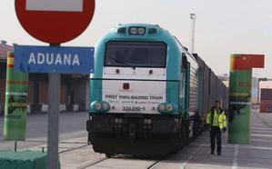 El tren Madrid-Yiwu abarata el transporte de las frutas de hueso y las uvas de mesa murcianas