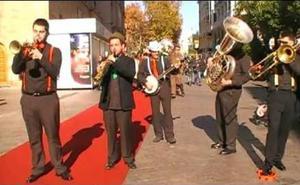 Dixieland Train y su jazz toman la calle