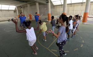 Las escuelas de verano abren sus puertas a 3.159 niños en riesgo de exclusión