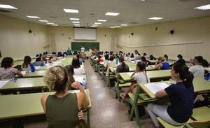 Seis de cada diez aspirantes suspenden las oposiciones a maestro en la Región de Murcia