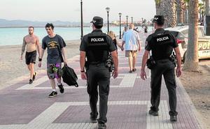 La Región hace alarde de la seguridad en sus costas para atraer a los turistas