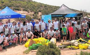 La Fundación SOS retira 273 kilos de residuos de Isla Perdiguera