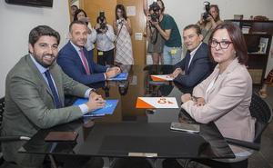 PP y Ciudadanos anuncian que asumen el documento de Vox para la investidura de Miras