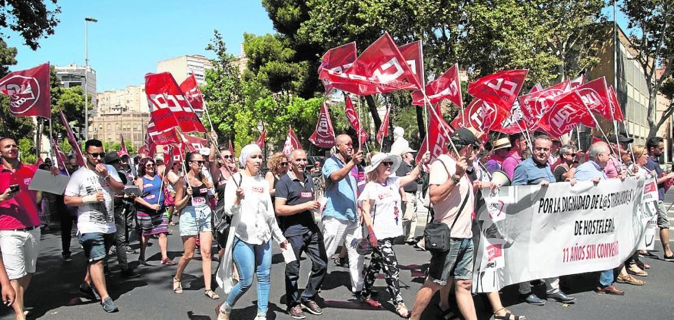 Los sindicatos se encaminan a la huelga en la hostelería si no hay subida salarial