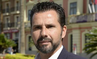 Fomento sancionará a la empresa del campo de fútbol de Cobatillas