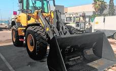 Tres nuevos tractores para limpiar las playas de Águilas