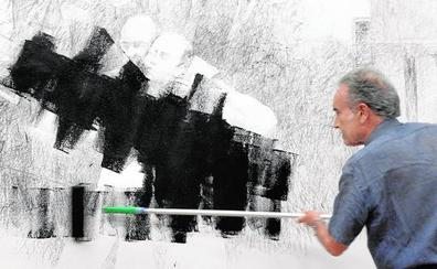 Pedro Cano destruye el mural efímero de Verónicas