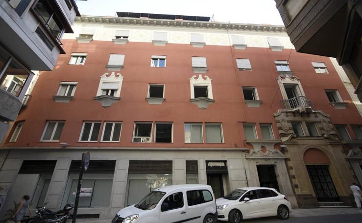 Rehabilitan las fachadas de tres edificios del centro histórico de Murcia