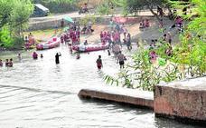 El Ayuntamiento regulará el acceso de vehículos a la playa fluvial de El Jarral