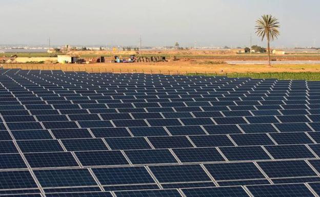 Un nuevo 'boom' de las fotovoltaicas multiplica por quince la potencia de las plantas instaladas