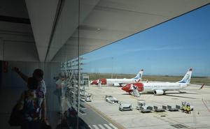 El aeropuerto de Corvera pierde más de 100.000 pasajeros en un año con respecto a San Javier