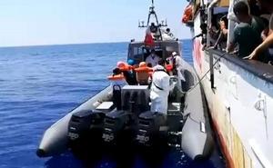 El Open Arms pide a España que se haga cargo de los 31 menores que lleva a bordo
