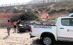 Caen con su coche a una playa de La Manga tras dormirse el conductor